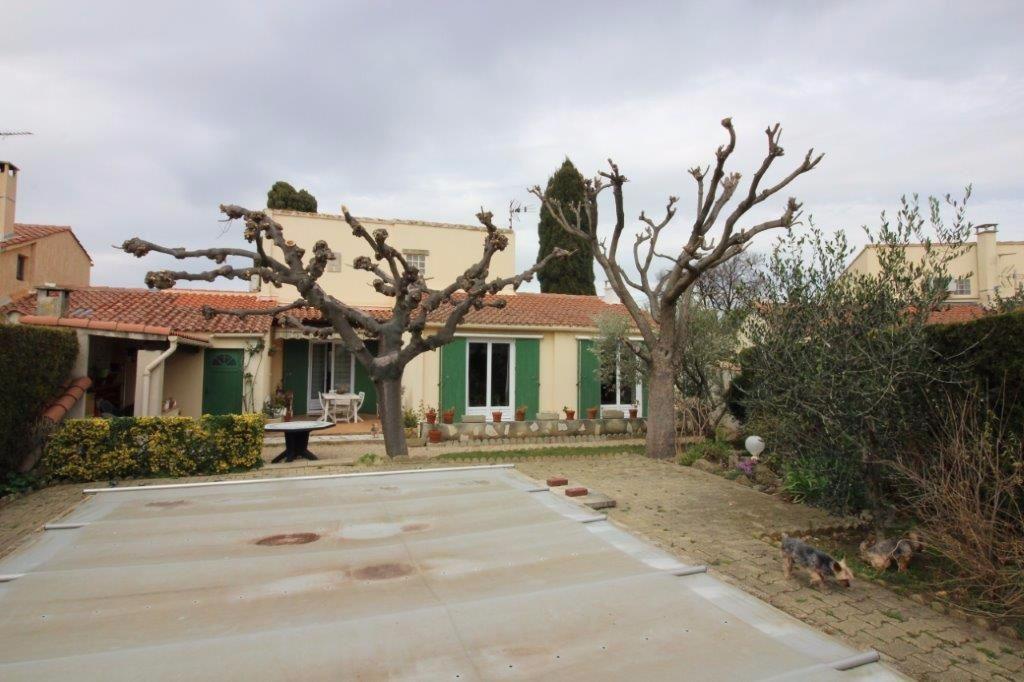 Vente saint martin de crau maison 100m piscine terrain for Piscine saint martin de crau